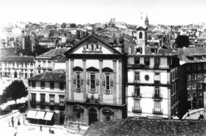 Café Camanho e Igreja dos Congregados